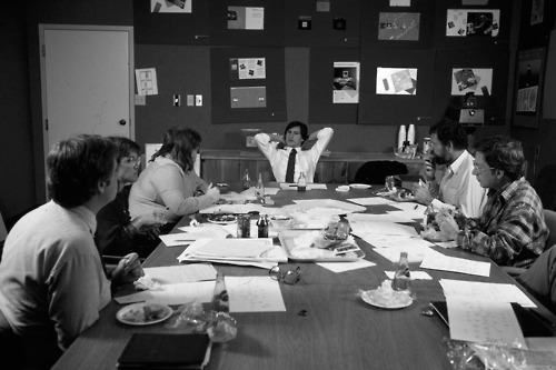 Old photo of Apple co-founder Steve Jobs holding a brainstorming meeting with his product design team at NeXT.