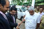 Shailesh Nair welcoming the CM, Mr. Oomen Chandy to the ICTT 2013