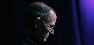 steve_jobs_looking_sad_620px